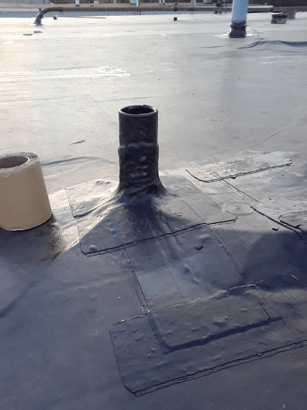 Flat roof issues image show flat roof with EPDM membrane.