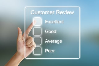 customer review showing hand checking excellent for roofing contractor