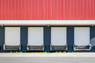 commercial building showing aluminum siding types used