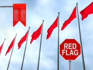 watch for red flags when choosing local roofing companies